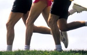 running-group-knees-425km081309